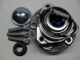 Подшипник ступицы колеса, комплект SKF VKBA3651