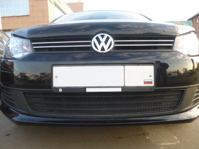 0153031015B NOVLINE Сетка на бампер внешняя для VW Polo Sedan 2010-, черн., 15 мм