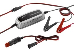 0009820121 MERCEDES-BENZ Зарядное устройство для аккумулятора Mercedes Charger ECE version